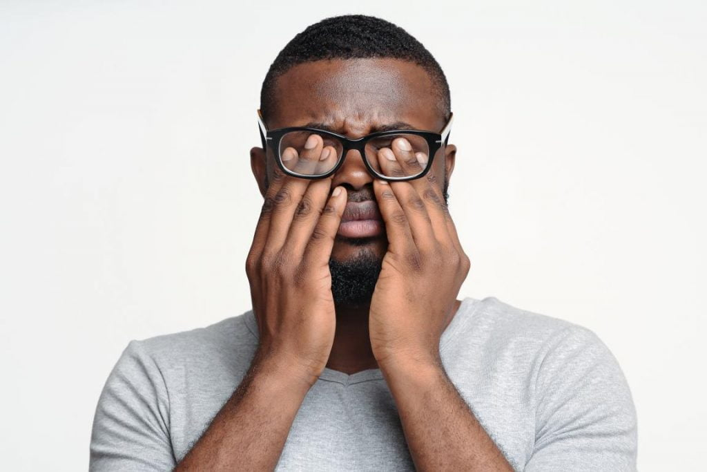 Sintomas do Astigmatismo - Óticas Kohls