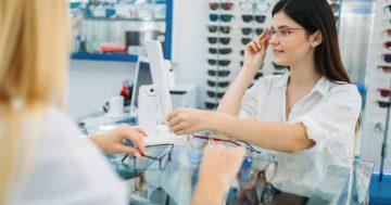 Como escolher a armação ideal dos seus óculos de grau